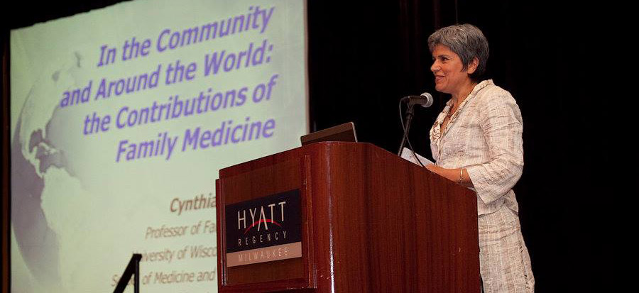 Cindy Haq, MD, presents at the Family Medicine Midwest (FMM) Conference.